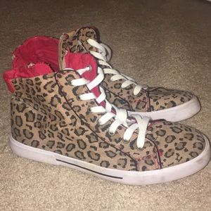 Offbrand leopard converse sneakers